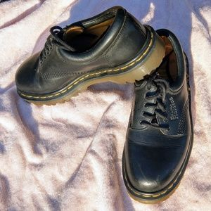 Dr. Martens 8053 Oxford's. Size 6